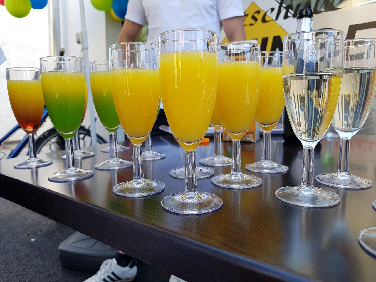 Hier ein paar Bilder zur Eröffnung, die Getränke waren natürlich ...